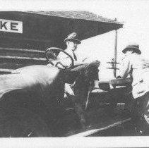 Image of 3121 - Hotel Algonquin truck.