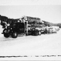 Image of 3235 - Truck load of hardwood logs
