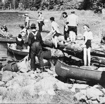 Image of 3308 - Camp Tanamakoon girls on a canoe trip