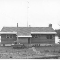 Image of 3339 - Pilot's residence, Cache Lake