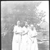 Image of 3515 - Women at Radiant Lake