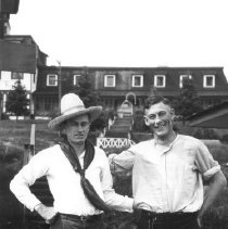 Image of 3679 - Leo Dooner and Bob Patterson at the Highland Inn