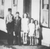 Image of 1943 - Picture of the Avery family taken around 1943 at Opeongo Lodge in Algonquin Park