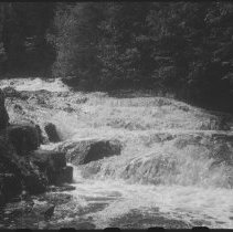 Image of 4596 - The lower half of Crooked Chute on the Bonnechere River
