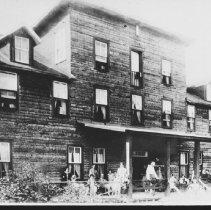 Image of 4863 - Hotel Algonquin, Joe Lake