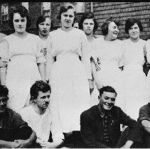 Image of 5083 - The staff of Hotel Algonquin, Joe Lake