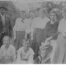 Image of 5084 - George Rowe with a group