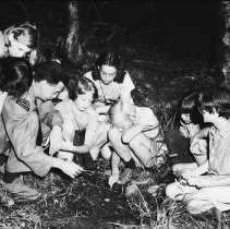 Image of 5178 - Al Helmsley, with a group of girls from Camp Tanamakoon.