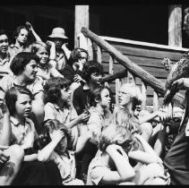 Image of 5180 - R.D. Ussher, speaking to a group of girls from Camp Tanamakoon.