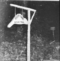 "Image of 5182 - Sign, ""Deer Lake Nature Trail"""