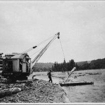 Image of 5221 - Insley crane loading