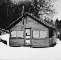 Image of 5370 - Cabin, Portage Store.