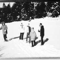 Image of 5428 - Cross-country skiing in Algonquin Park.