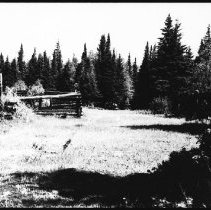 Image of 5629 - Old lumber camp, perhaps between Cache Lake and Lake of Two Rivers.