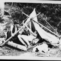 Image of 5695 - Trying to put up the tent.