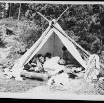 Image of 5696 - In camp.