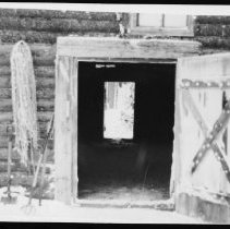 Image of 5711 - Log horse stable.