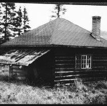 Image of 5722 - Ranger cabin at Tattler Lake, June 1980.