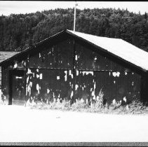 Image of 5725 - The M.N.R. boathouse at Lake Opeongo, June 1980.