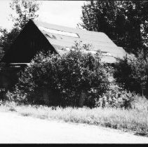 Image of 1980 - The old garage on the Basin Lake road, just north of the gate, June 1980.