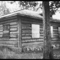 Image of 5765 - The ranger cabin on Cedar Lake at Brent, October 1980.