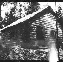 Image of 5781 - The Twelve Mile Cabin, Bissett-Radiant road, October 1980.