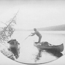 Image of 5924 - Guide with canoes