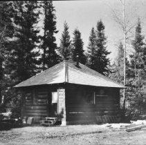 Image of 6060 - Ranger Cabin at Pioneer Logging exhibit