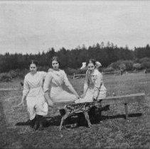 Image of 6098 - MacDonald girls