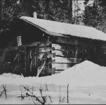 Image of 6284 - Ranger cabin at Erable Lake