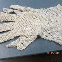 Image of 2016.12.08-02 - Gloves, crochet