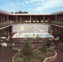 Image of Postcard of the Battle Green Inn Courtyard and Pool - 11336-127