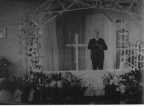 Image of Rev. Spurgeon at Jacob's Chapel Easter worship