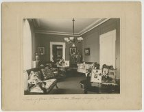 Image of Interior Rooms of the home at 1014 East Main Street, New Albany, Ind., 1900-1910 ca. - Houses Libraries, Private Dens Parlors