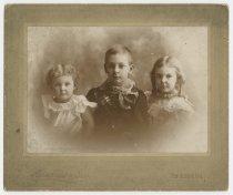 Image of Elsa, Bert, and Mildred Heckel c. 1897