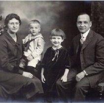 Image of Kukkonen Family 1924- Aminda, Carl, Helen & Charles (front)
