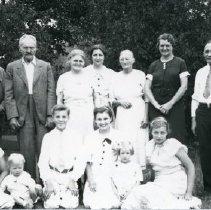 Image of (Kukkonen?) Family Picture, 1936