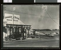 Copy print of the Sprague & Sexton garage on King ...