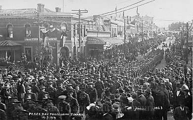 Peace Day procession Timaru 19/7/1919 [Ferrier 1043] - South Canterbury Museum