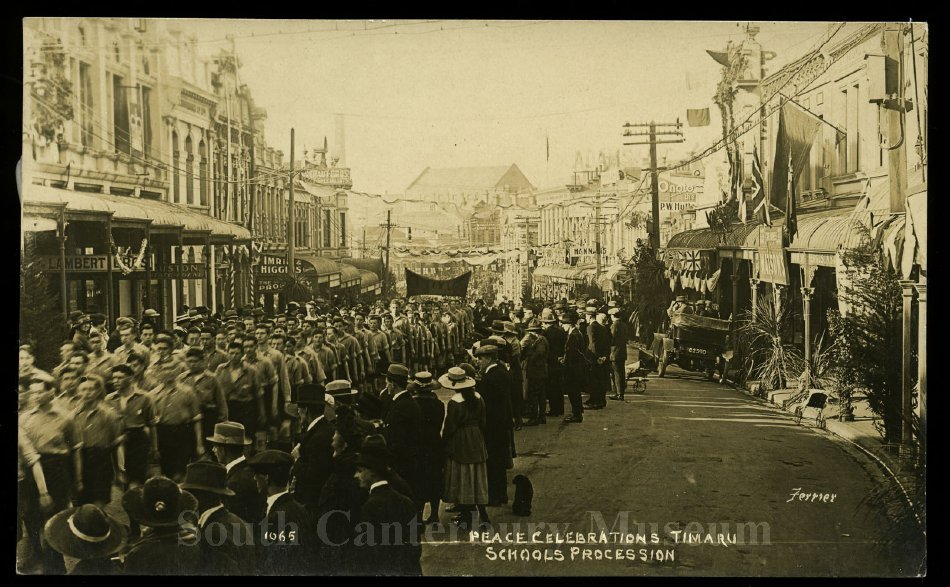 Peace Celebrations Timaru. Schools Procession [Ferrier 1065] - South Canterbury Museum