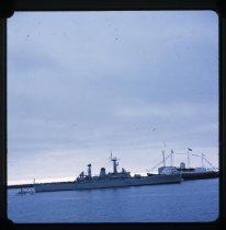 Image of [HMY 'Britannia' & HMNZS 'Waikato'] -