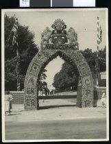 Image of [Asbury Park entrance, Timaru] -