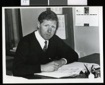 Image of Tony Alden, Oamaru Licensing Trust - Timaru Herald Photographs, Personalities Collection