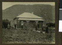 Image of McRae family, Brunswick Downs -