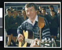 Image of New Zealand folksinger Martin Curtis - Timaru Herald Photographs, Personalities Collection
