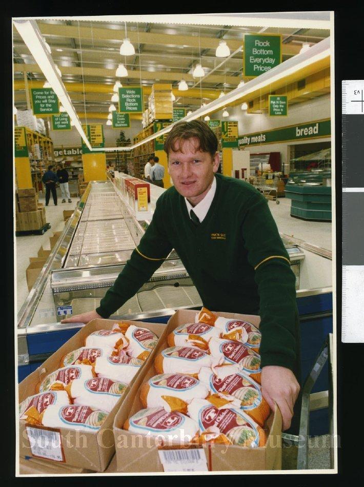 Pak 'n' Save Frozen Foods manager Jason Esler - Timaru