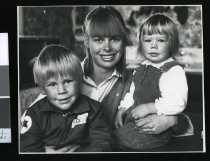 Image of Daniel, Diana, and Tabitha Geary - Timaru Herald Photographs, Personalities Collection