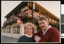 Image of Sue and Alistair Harvey of the Hibernian Hotel - Timaru Herald Photographs, Personalities Collection