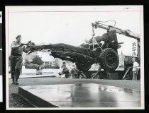 Image of Field gun installation at RSA, Timaru -