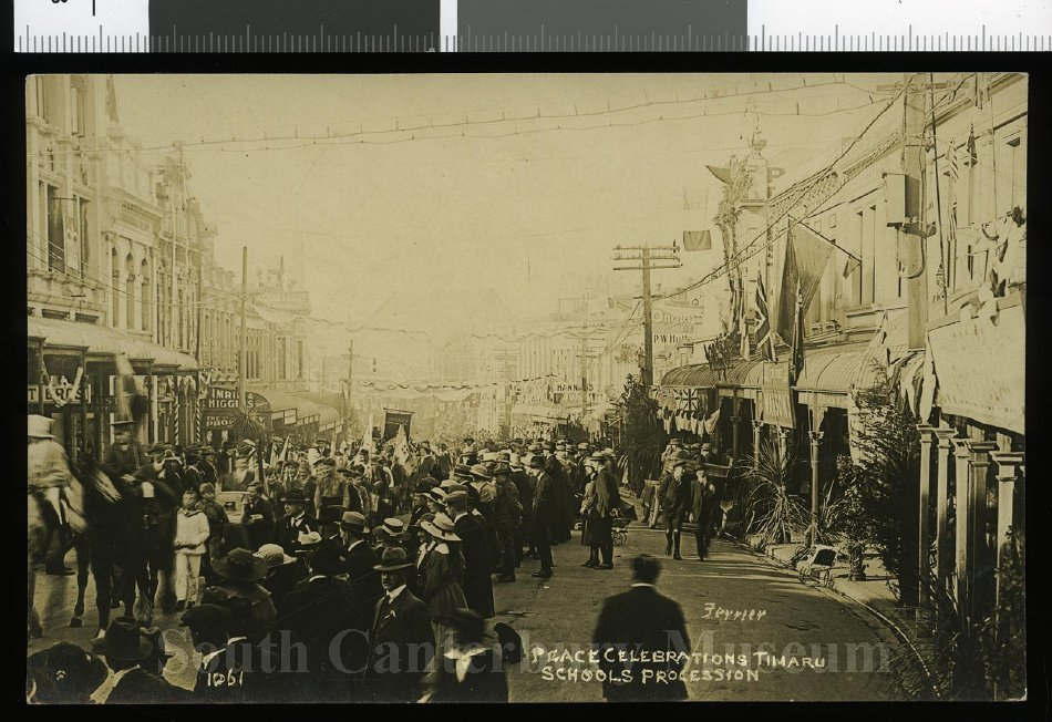 [Ferrier 1061] Peace Celebrations, Timaru Schools Procession - South Canterbury Museum